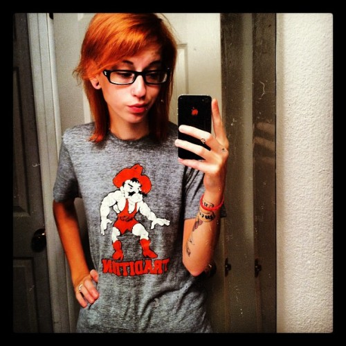 if one more person tells me I look like Hayley Williams, I'm gonna flip. #paramore #hayleywilliams #teamredhead #redhead #self #ladyak #rachel #piercings #tattoos #girls #navywife #skinny #ladiesofAK  (Taken with Instagram)
