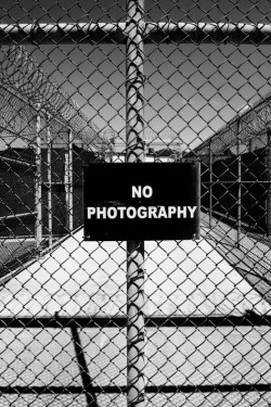 silfarione:  No Photography by Paolo Pellegrin. Gantanamo 2006