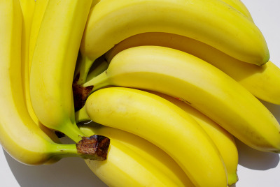 rhiot:  revoult:  breaithe:  para-fection:  here are some bananas. ._.  ba ba ba ba ba na na na na na na   B-A-N A N A-S  minions on despicable me