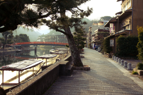 uji (nearby Kyoto) (photo by tonyleplusmieux) You will also like: lost in translation.You would never come back.