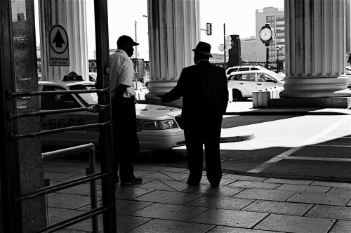 Conversation /#Leica M6 #Ilford XP2/ 30th Street Station Philadelphia, Pennsylvania