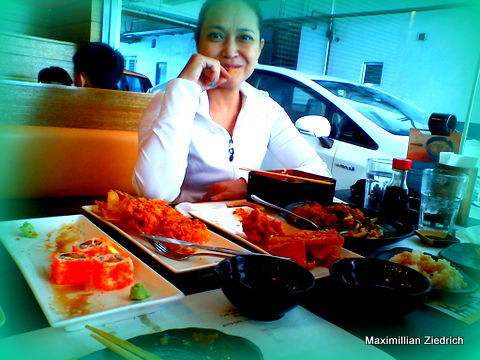 Lunch on a Sunday afternoon at Teriyaki Boy, South Supermarket, Westgate care of Ofel. :-D