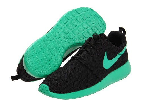 wantering:  Nike Roshe Run