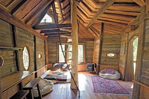 (via Moon to Moon: Tiny Homes, Simple Shelter….)
