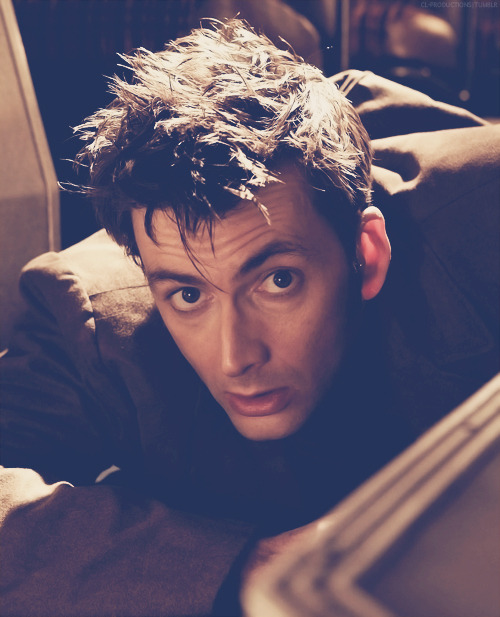 roulocke:  51/100 photos of David Tennant.