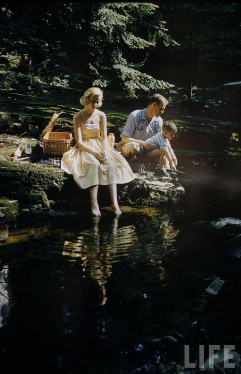 modcloth:  An idyllic riverside picnic immortalized by Leonard McCombe for LIFE (via Sunday, Lovely Sunday)