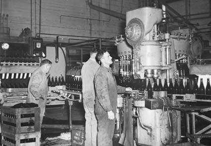 Bottling beer in a modern facility, 1945, Australia