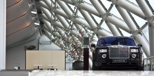 Business first Starirng: Rolls-Royce Phantom (by Jeffrey de Ruiter)