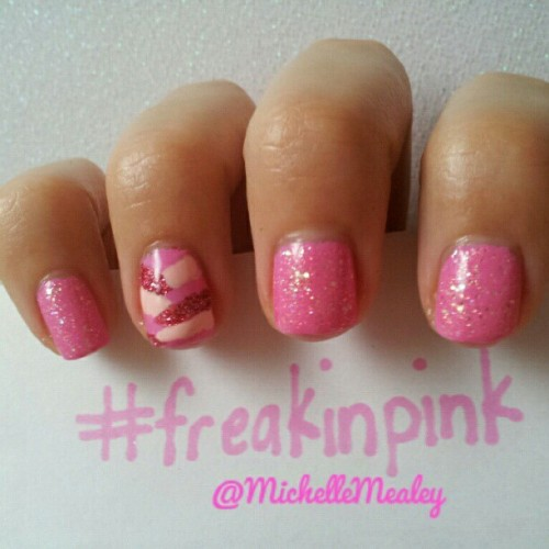 @_hotpinkbandit_ #freakinpink #zoya #shelby #juliegnailpolish #pinktiara #birthdaysuit #sinfulcolors #pinkyglitter #notd #nailpolish #pink #nails #fishtailmani  (Taken with Instagram)