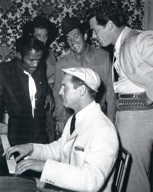 invasionofcoffeemonster:  Sammy Davis Jr., Robert Mitchum, Dean Martin, Paul Newman and James Garner.