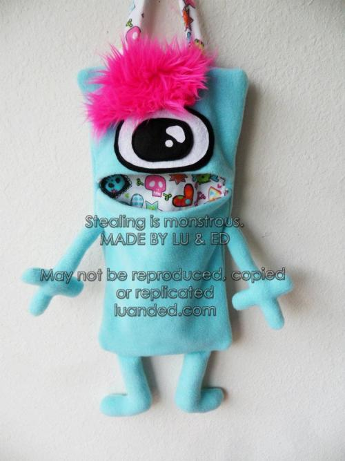 LOVE the inside fabric!! :D  luanded:  New Mon-stor listed in my shop! She's punk-y!