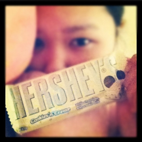 To eat or not to eat? TO EAT!!! #yummy #food #chocolate#hersheys#white#cookiesncreme#me#sweet #websagram #igers #tweegram #10likes #iheartdear  (Taken with Instagram)