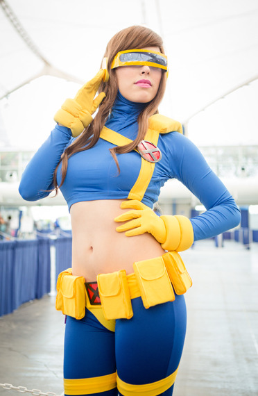 comicbookcosplay:  Rule 63 Cyclops