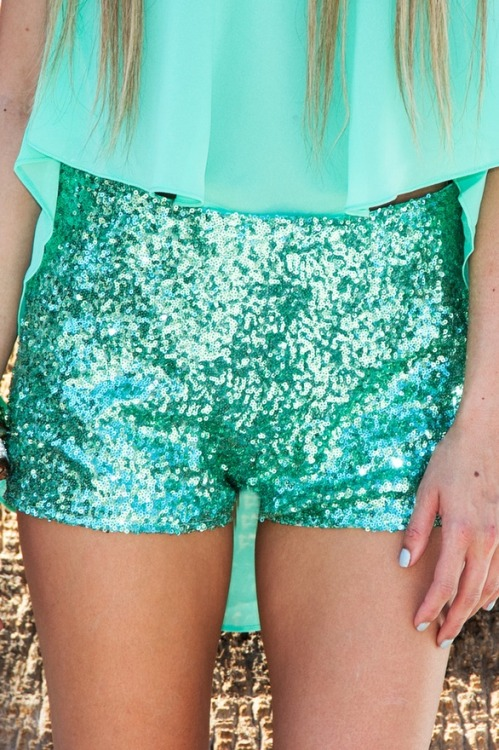 Love Tiffany blue + sequins…