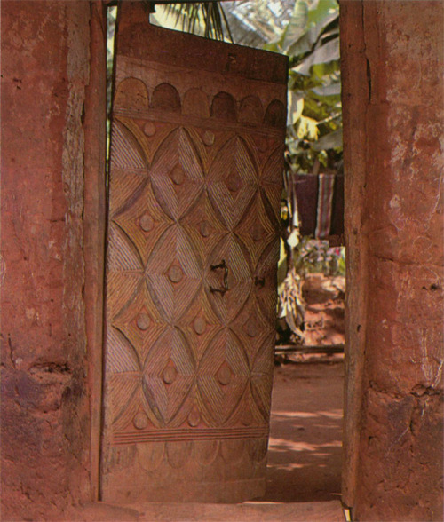 PAINTED, [IGBO] CARVED DOOR. NIMO. — Fred T. Smith (via ukpuru)