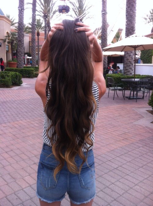 hawaiian-kids:  hawaiian-kids:  Me :)  ahh i cant believe it hit 5k+ notes in 2 days!