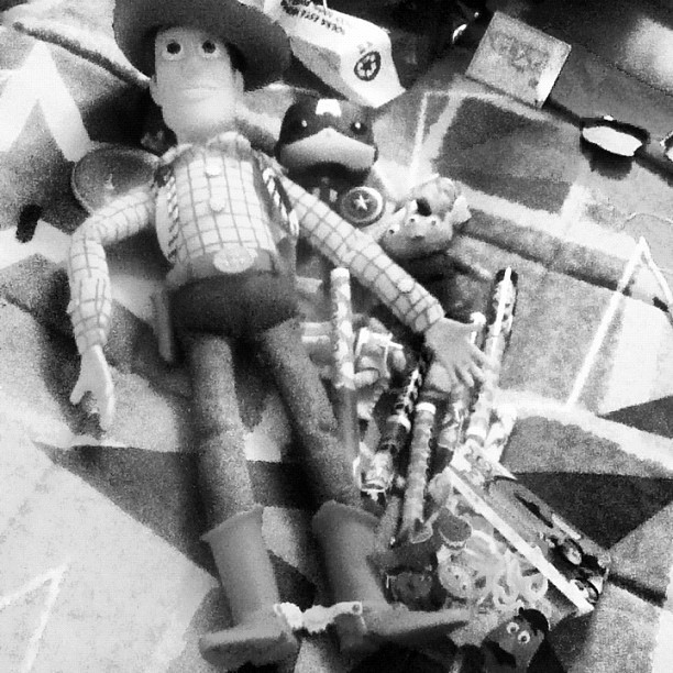 felicidade se compra sim n #toystory #woody #disney #avengers #captainamerica (Publicado com Instagram, no Disney's All-Star Movies Resort)