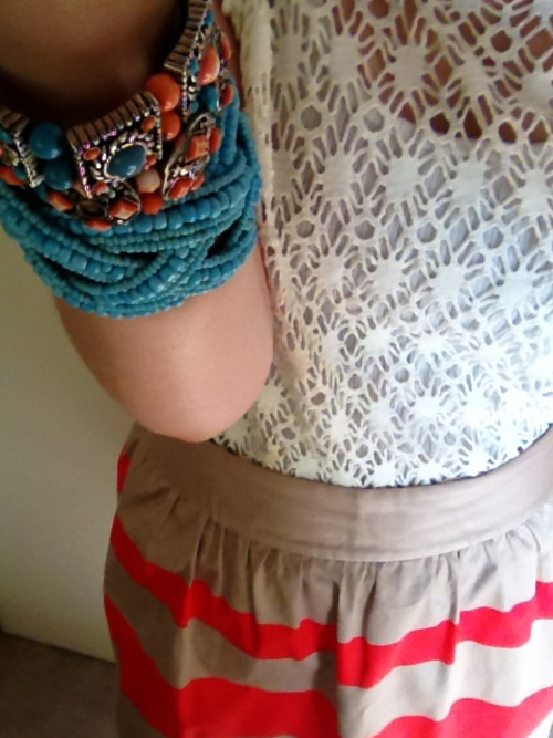 I loved my outfit today. Texture, colour and comfort!