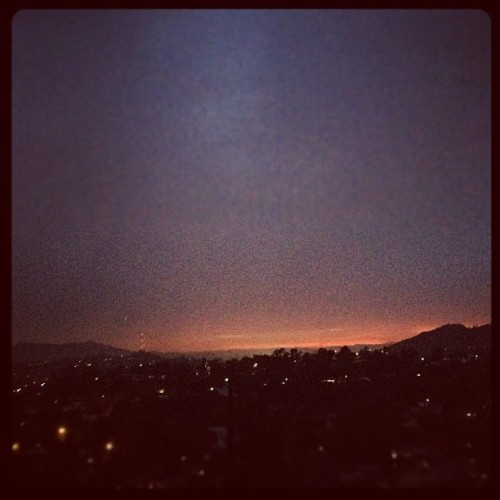 #sunset with @jessreynolds & @octo80 #sky #love #losangeles #igers #hills #igdaily #bestoftheday #photooftheday #picoftheday #instagood #igdaily #photooftheday #iphonesia #iphoneonly  (Taken with Instagram)