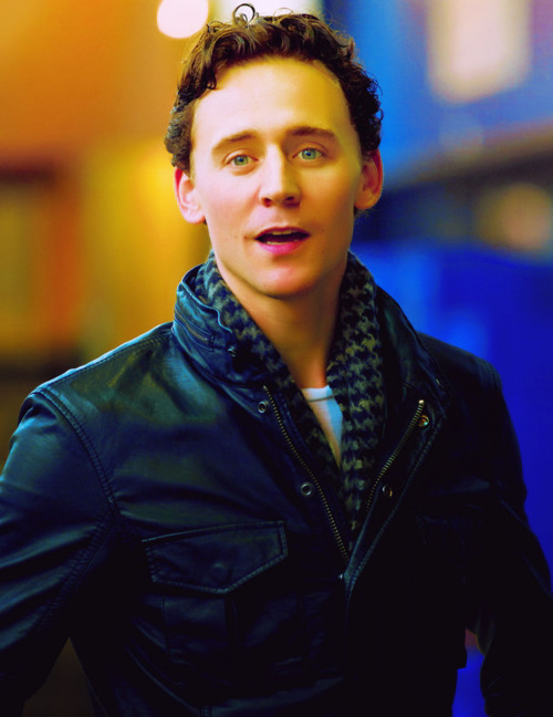 Tom, did you steal Loki's scarf?