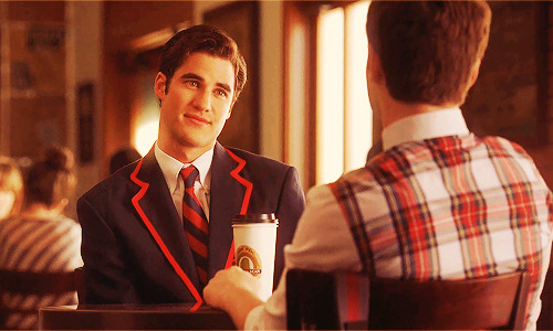 #I HATE YOU #I HATE YOU SO MUCH #Blaine Anderson #look at you with that STUPID look of love on your face you absolute URGH