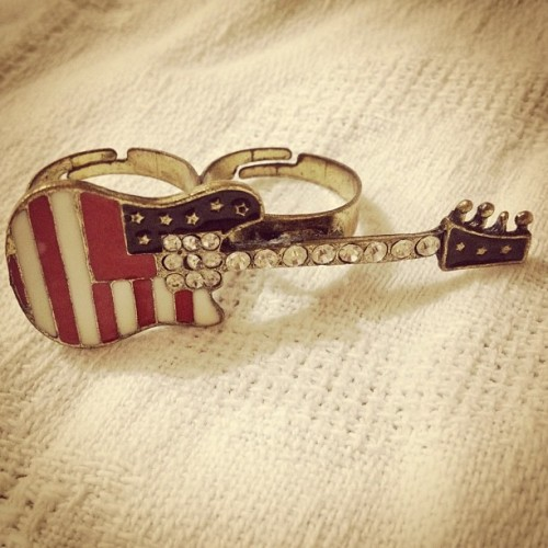 love-kryptonite:  #ring #guitar #american #flag #accessory # (Taken with Instagram)