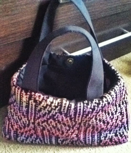 A new fab bag made by my pall Nikki with my 80's style knitted fabric! www.binaryknits.co.uk A new range soon to be on sale :-)