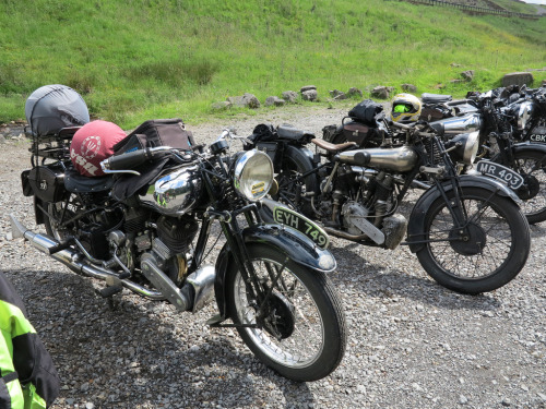 mototerra:  Brough Superior SS80's (by BSMK1SV)