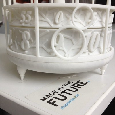 shapeways:  #madeinthefuture telling the time with the 3d printed clock (Taken with Instagram at Shapeways HQ)