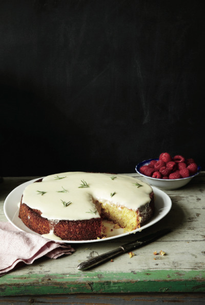 Almond Cake with Lemon and Crème Fraîche Glaze for House Tyrell