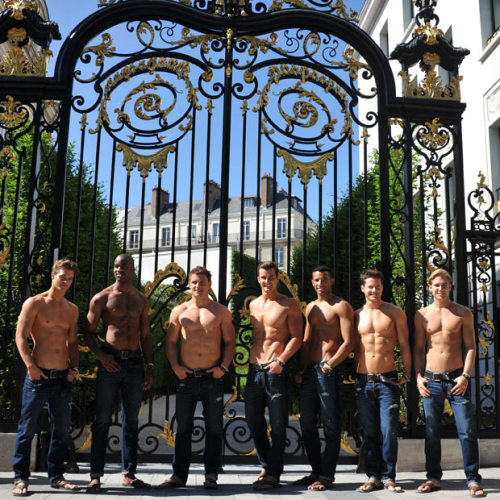 mmm so fittttt! Abercrombie- Champs Elysees