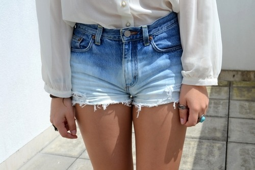 thesunsetkids:  s-un-rise:  love those shorts omg  wanttt!