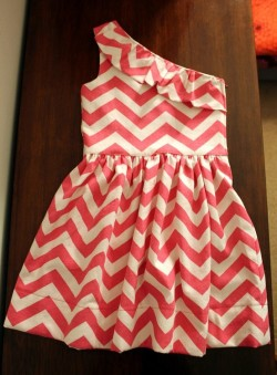 sororitysugar:  ready to rush!  I need this dress…