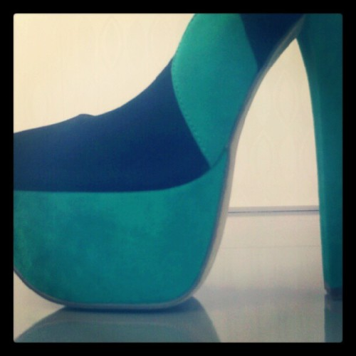 "New ""Sal Ena"" on the way from @Luichiny #platform #suede #heel (Taken with Instagram) Now available … http://www.heels.com/womens-shoes/sal-ena-black-aqua-suede.html"