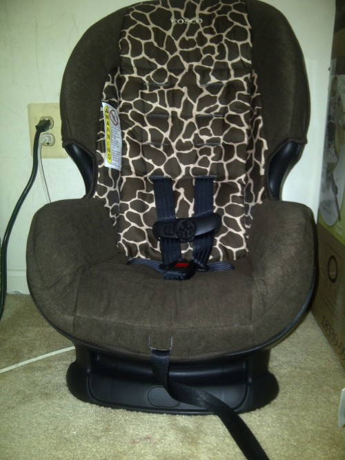 carseat that I love  for when he gets bigger