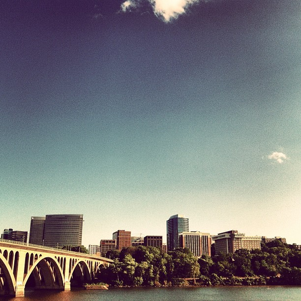The cliff overlooking Key Bridge and Rosslyn.