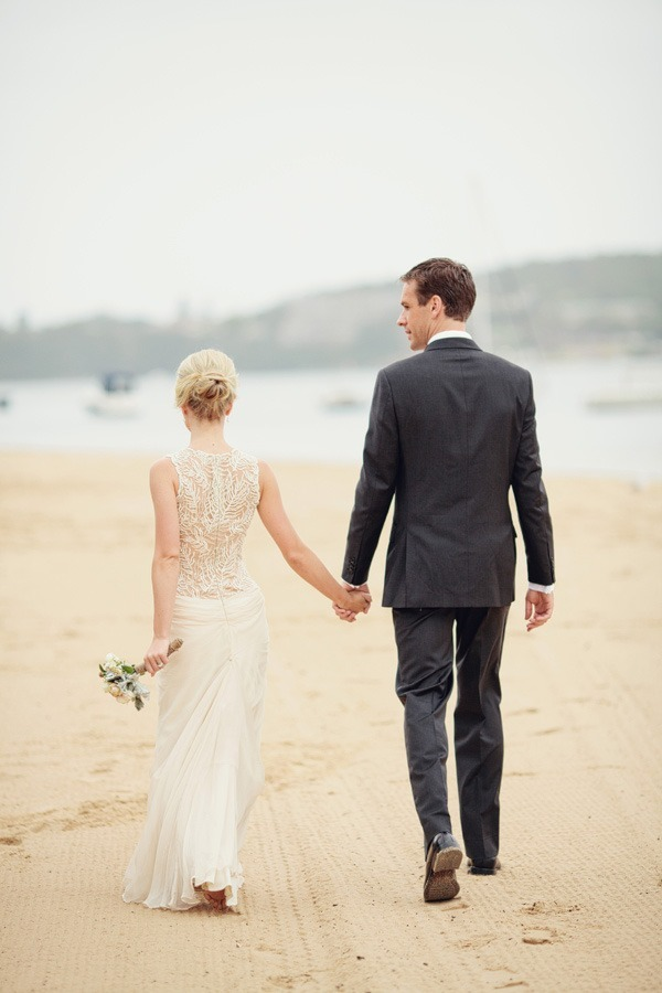 ido-weddings:  (via Australia Weddings - Weddings on Style Me Pretty - Part 27) Love love love the back!