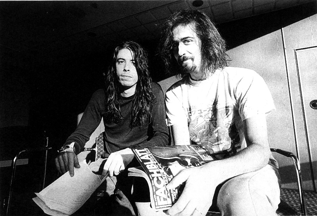 n-irvana:  Dave Grohl and Krist Novoselic, London, UK, 12/06/91