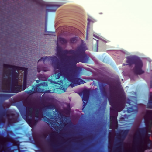 hinduthug:  beardsNbabies  Still can't get over how perfect this picture is. It's absolute love.