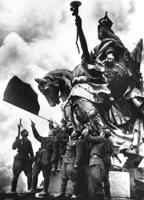 collective-history:  Russians on top of the Reichstag May 1945