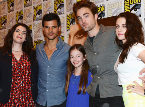 Say it aint so! The stars of Twilight talk about their final film and get ready to say goodbye at Comic-Con. Check out their video here: http://eonli.ne/LP9fzp