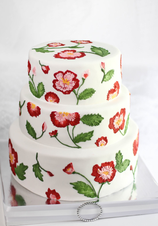 gastrogirl:  cabbage rose embroidery wedding cake.