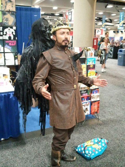 homewreckingwhore:  Renly cosplayer as seen on Reddit.