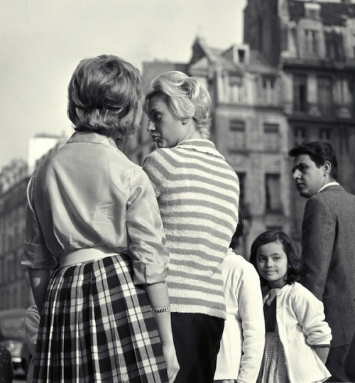 tamburina:  Women in Paris, 1960. By Maria Austria.