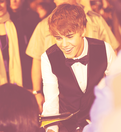 fifty favorite justin bieber photos→44