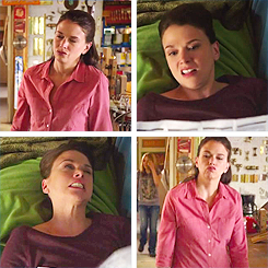 theatricalityismymiddlename:  suttonfostertweets:  Sutton Derpster   I just love this gif wayyy too much :)
