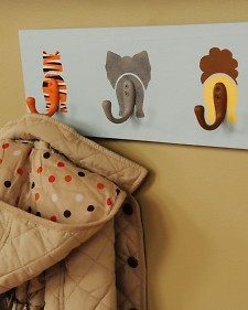 storagegeek:  DIY Animal Hooks - Martha Stewart Kids' Crafts Does it get any cuter than animals bums?! I don't think it gets much easier either. If you are painting impaired like myself, you could always decoupage your animal behinds on beffore adding your painted hooks.