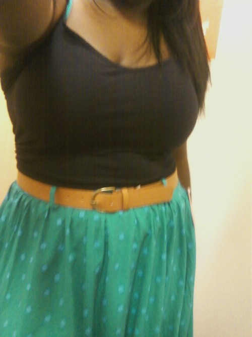I love this skirt to pieces :) 18, 170 lbs, 5'5 :D