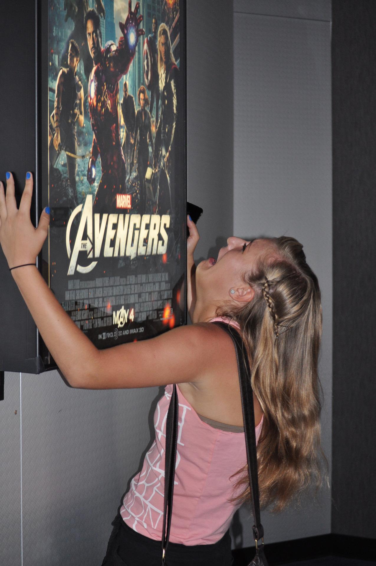 nerdapproved:  And here we see the fangirl in her natural habitat.