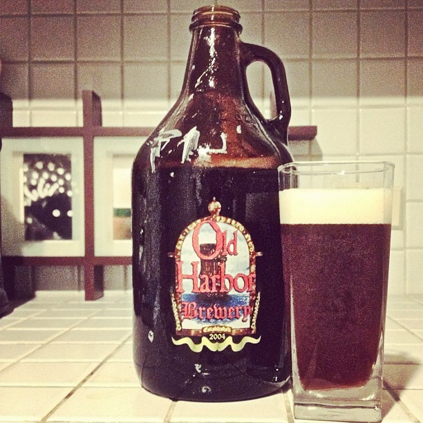 2 litros mega fresh de Old Harbor #IPA #MicroBrewery  (Taken with Instagram)